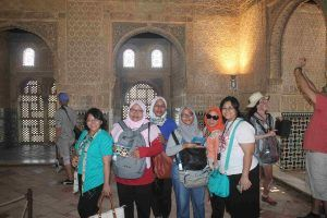 Alhambra Tour - Muslim Travelers - Andalusia